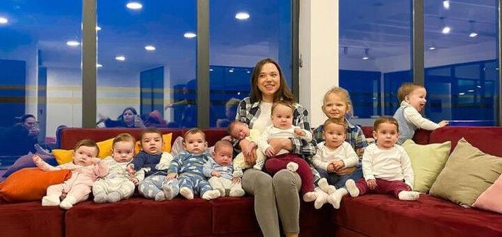 Jovem já é mãe de 11 crianças e quer chegar aos 105 filhos