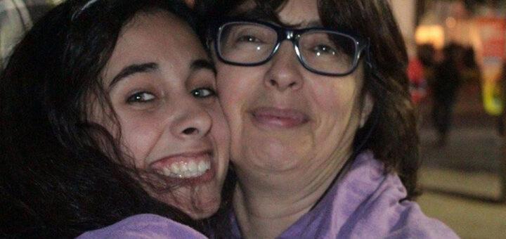 Mãe de Beatriz recorda filha que faleceu às mãos de um colega ciumento