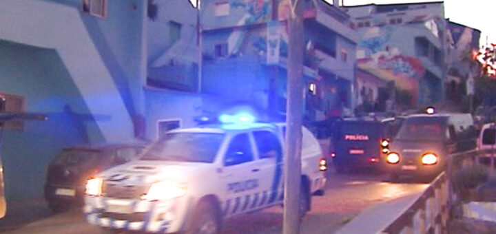 PSP tenta terminar com festa de 100 pessoas na Cova da Moura e acabam aos tiros