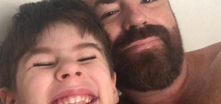 Menino de 4 anos morto pelo padrasto. Mãe viu tudo e é cúmplice