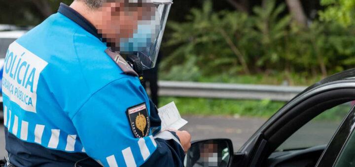 Mulher apanha multa de 200€ por estar a comer sopa dentro do próprio carro, no Cartaxo