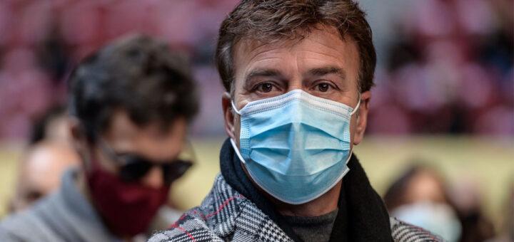 Tony Carreira recebe alta hospitalar e já está em casa