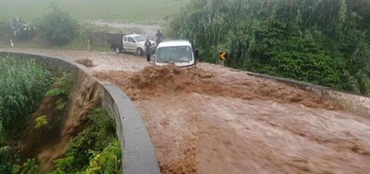 Morreram duas mulheres que foram arrastadas pela inundação nos Açores