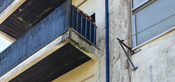 Bebé cai do segundo andar em Albergaria-a-Velha. Está gravemente ferido