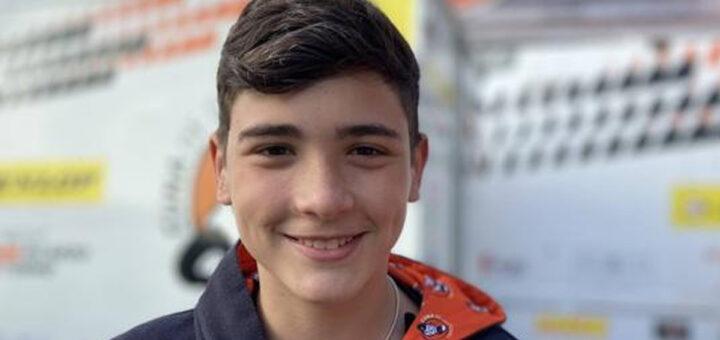 Morre jovem piloto de 14 anos após ser atropelado por mota em prova