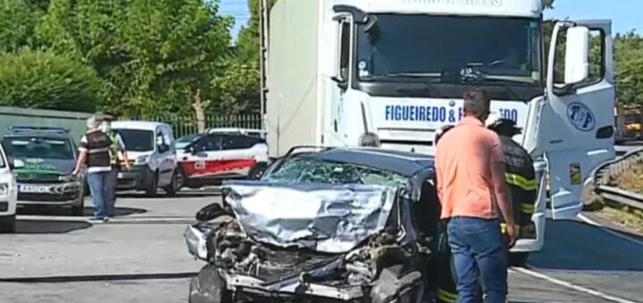 Homem morre em colisão frontal com um camião em Santo Tirso