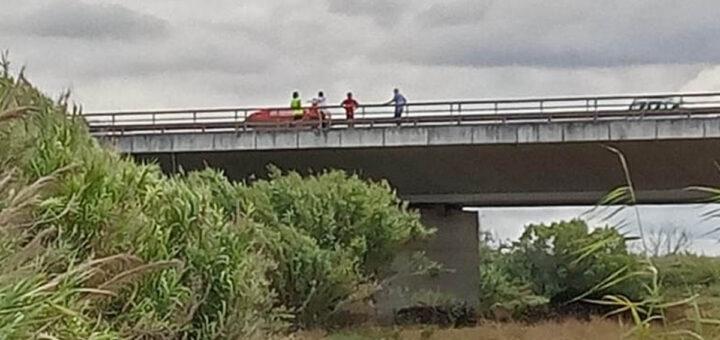 Homem atira-se da ponte após despiste em Santarém. Mulher e as duas crianças assistiram a tudo