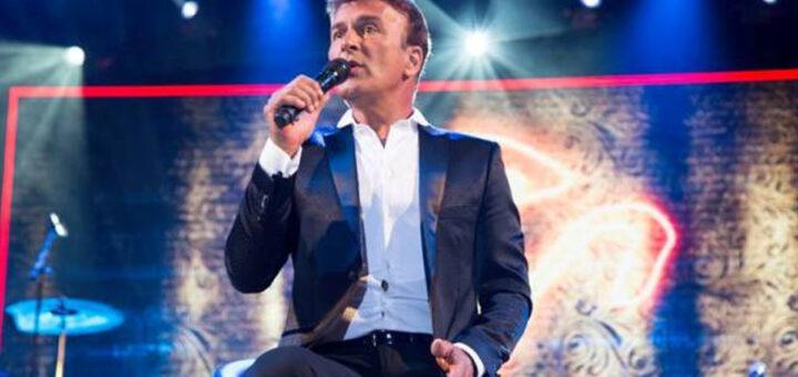 Sete meses após morte da filha, Tony Carreira sobe hoje aos palcos novamente