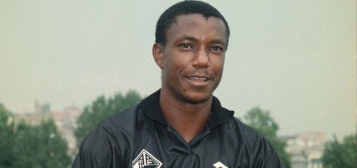 Morreu antigo avançado do Benfica, Paulão, com apenas 51 anos