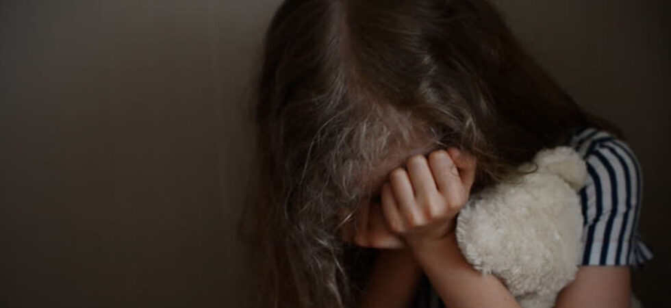 Homem de 31 anos detido por abusos sexuais às filhas menores na Azambuja