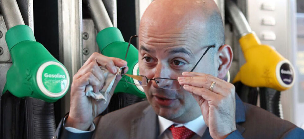 Combustíveis vão descer 10 cêntimos até março de 2022 através do IVAucher