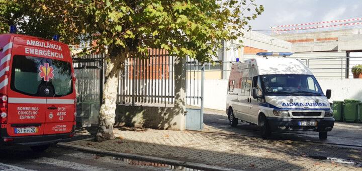 Rapaz de 17 anos morre na cantina da escola engasgado, em Espinho