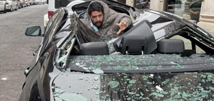 Homem tenta matar-se do 9º andar de um prédio, aterra num carro e sobrevive